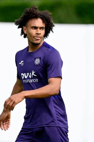 """""""Dan gaat hij naar Anderlecht... Een club in puinhoop"""": Nederlandse analisten begrijpen niéts van keuze Zirkzee voor paars-wit"""