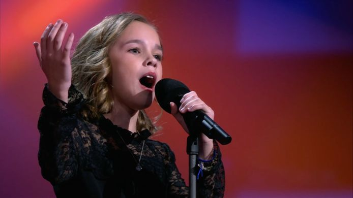 Emma in The Voice Kids.