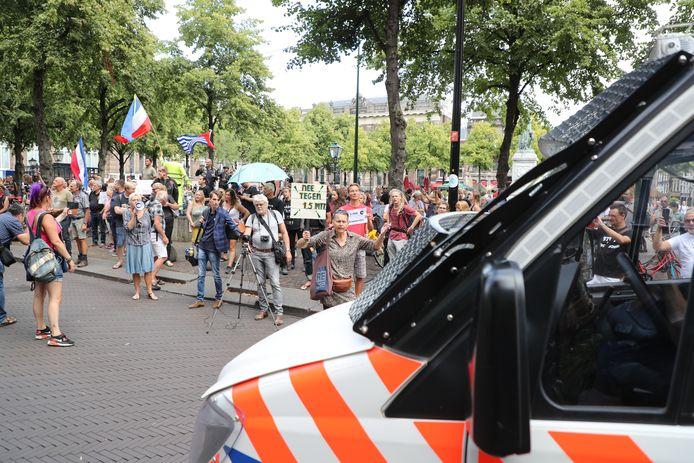 Betoging tegen de spoedwet in Den Haag.