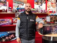 Vuurwerkhandelaar Jeffrey is al klaar om te knallen: 'Dit jaar wordt maken of breken voor de branche'