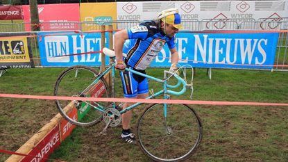 "Cafébaas stapt na één ronde af: ""Véél respect voor cyclocrossers"""