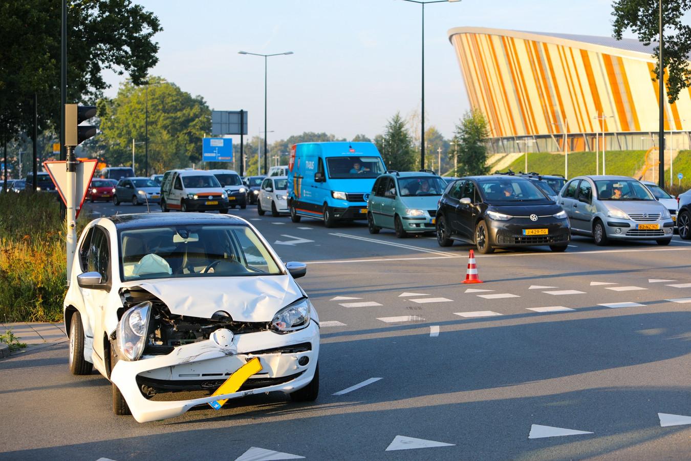 Het verkeer in alle richtingen ondervond grote hinder door de nasleep van het ongeval.