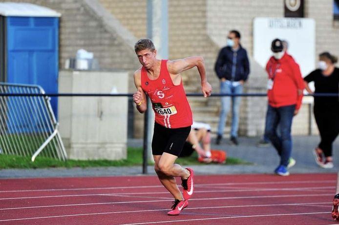 Jasper Allonsius wil zich voortaan uitleven als atleet van OEH.