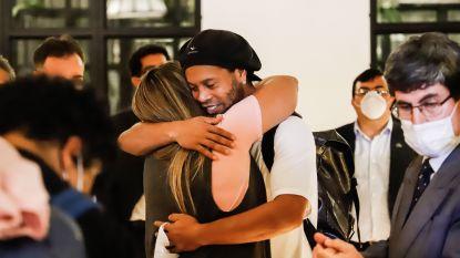 Manager van luxehotel waar Ronaldinho 'gevangen' zit, onthult het recentste verzoek van zijn speciale gast