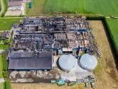 Opruimen afgebrande varkensstallen in Erichem kan acht weken duren