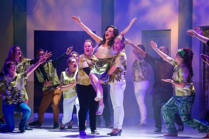 Theatergroep Max Mini speelt de 52ste productie 'Soap' in de Nieuwe Nobelaer.