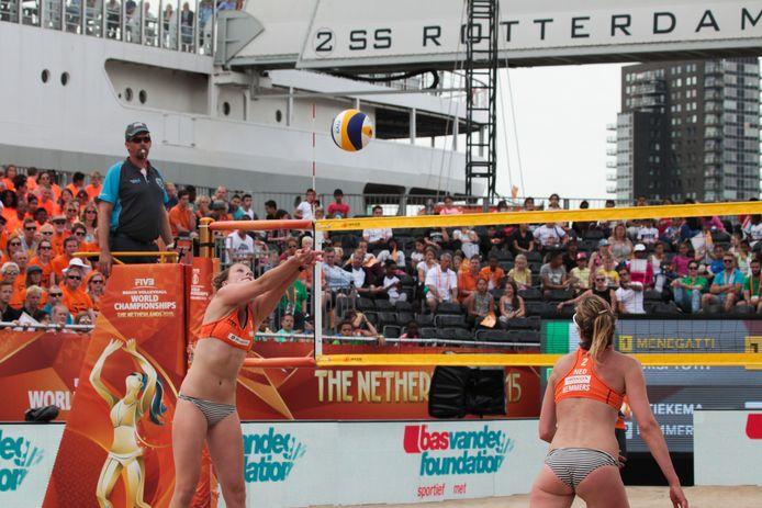 Tijdens het WK beachvolleybal in 2015 werd er op fraaie locaties gespeeld, onder meer bij de ss Rotterdam. In 2023 zal daar ook in Zeeland naar gezocht worden.