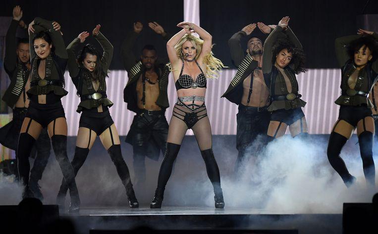 Volgens Forbes werden voortdurend grote bedragen geld van de rekening gehaald en werd Britney van het ene contract naar het andere gedwongen door haar vader Jamie. Beeld Getty Images for BCU
