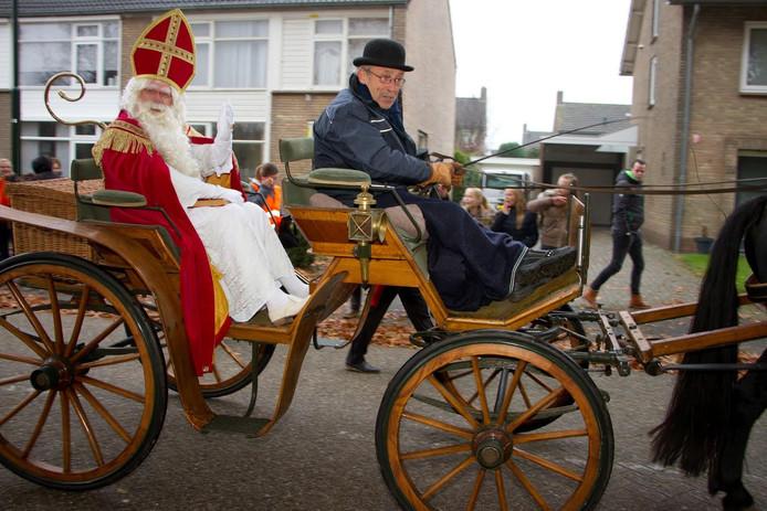 Sinterklaas komt aan in Haaren.