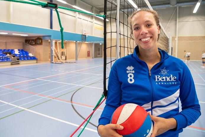Volleybalster Lizanne Vianen van het Bergambachtse THOR.