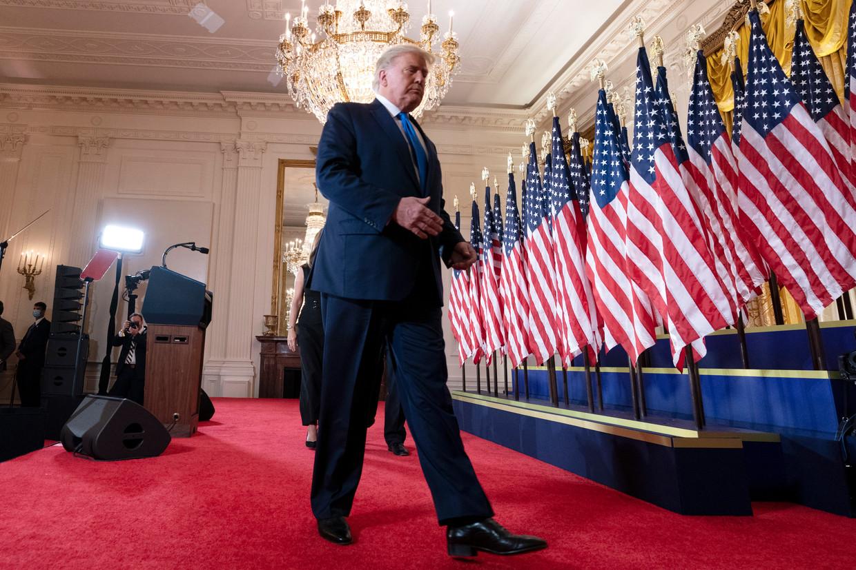 Donald Trump na zijn speech waarin hij de winst claimde.  Beeld EPA
