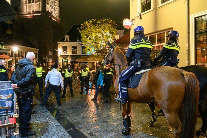Horecatraining van de politie in het centrum van Breda.