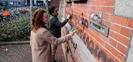 Oud-leerling Britt haalt leuzen over Zwarte Piet weg: 'Dit gaat te ver'