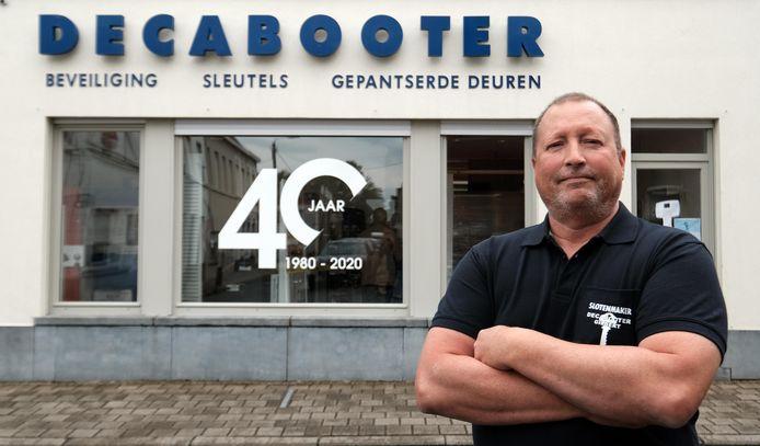 Kortrijk Slotenmaker Decabooter wil niet meer werken voor justitie