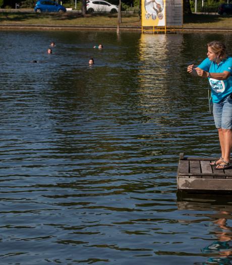Deelnemers Swim to Fight Cancer bereiden zich voor in  IJzeren Man