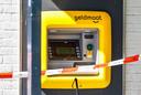Poging plofkraak op geldautomaat bij Jan Linders in Helmond.