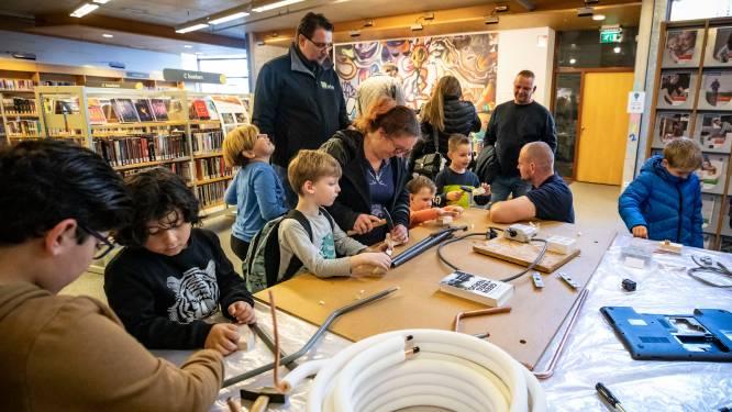 Feest in de Almelose bibliotheek: kinderen ontdekken tientallen beroepen