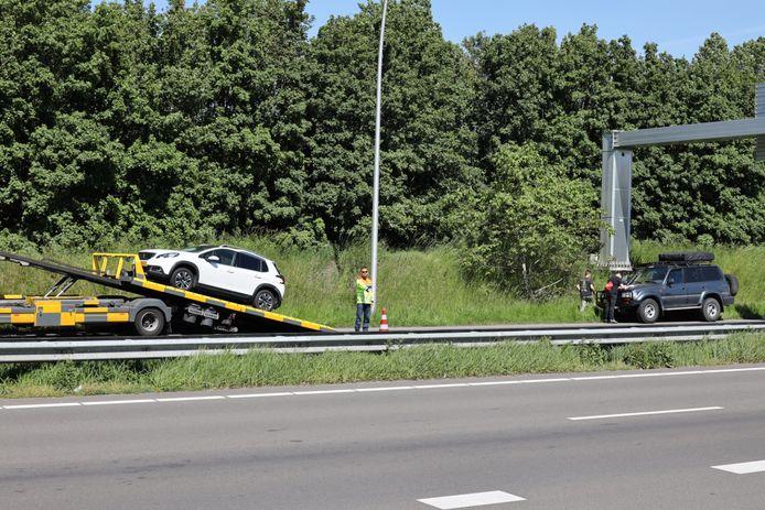 Botsing op Midden-Brabantweg bij Kaatsheuvel.
