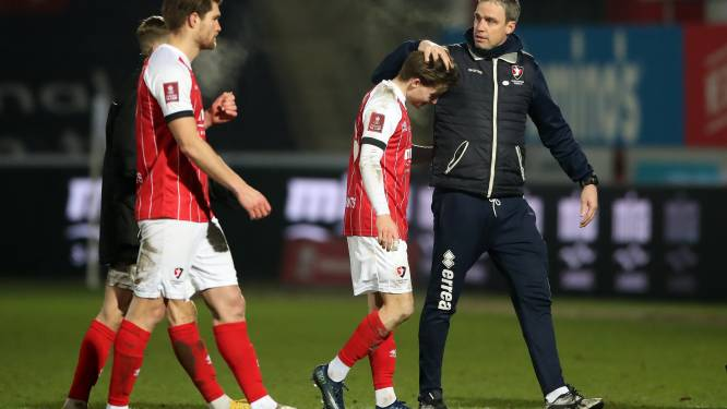 Football Talk. City vermijdt afgang tegen vierdeklasser, Arsenal wél eruit in FA Cup - Ref Visser naar EK U21