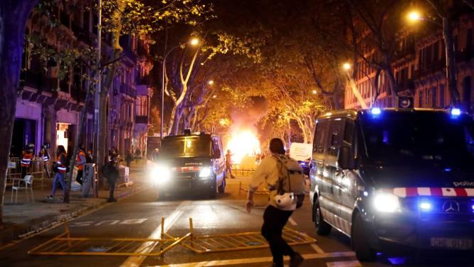 Catalanen in februari vervroegd naar stembus nadat rechtbank premier Quim Torra afzet, onrustig in straten Barcelona