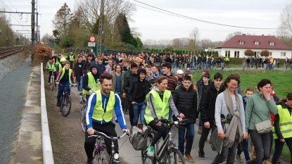 Leerlingen Virgo Sapiens stappen, fietsen en dansen 15.000 euro bij mekaar voor goede doelen