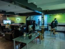 Jongerenwerk in oude bioscoop: 'We willen de jongeren een plek geven waar ze zichzelf kunnen zijn'