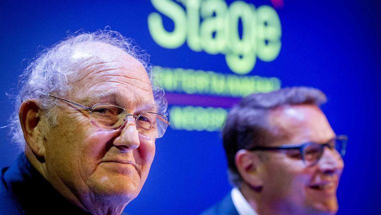 Joop van den Ende (L) en Albert Verlinde tijdens een persconferentie. Beeld anp