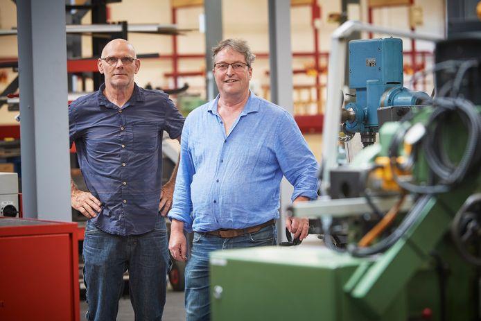 Fons Sommers (l) en Wim van Dorst stoppen als praktijkdocent op Het Hooghuis Zuidwest in Oss.