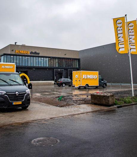 Jumbo opent grote thuisbezorglocatie in Deventer van waaruit tientallen busjes af en aan gaan rijden