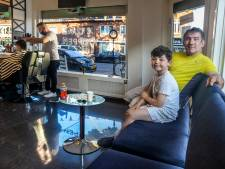 Sinan (48) groeide op in Turkije: 'In Nederland is iedereen veel meer op zichzelf, ik kan dat niet'