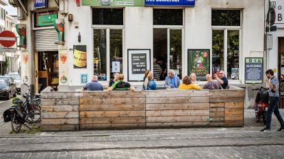 Klanten die geen contactgegevens achterlaten mogen café of restaurant niet binnen