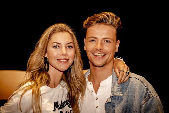 Anouk Hoogendijk met danspartner Jesse Wijnans tijdens de persdag van het RTL4 programma Dancing with the Stars.