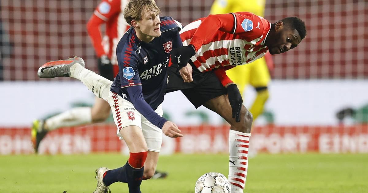 FC Twente worstelt en snakt naar het goede gevoel: 'Jong zijn is geen excuus om stil te zijn' - Tubantia