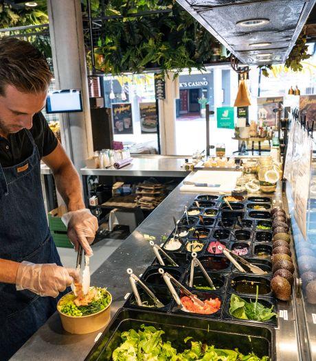 Gezond fastfood als poké bowls, salades en mager vlees zijn booming in Nijmegen, 'want dat is wat vrouwen willen'