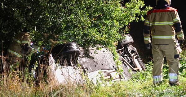 Automobilist overlijdt bij ongeluk in Deursen-Dennenburg.
