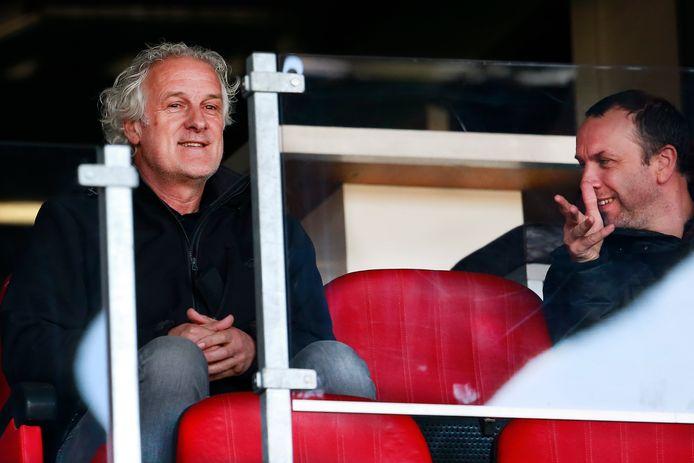 Fred Rutten bekijkt het duel met FC Den Bosch in De Goffert.
