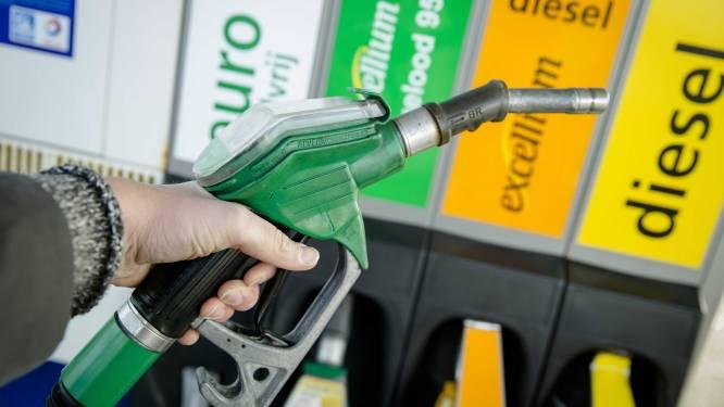 """Bestaat de kans dat benzineprijs binnenkort tot boven 2 euro stijgt? """"Belgische consument heeft zekere bescherming"""""""