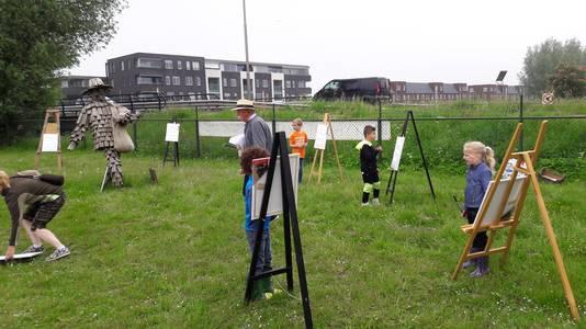 Na de presentatie mochten de leerlingen zelf als 'kleine Vincentjes van Gogh' zelf aan de slag.