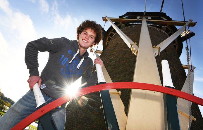 Louis Maas is met zijn 18 jaar de jongste molenaar van het land.