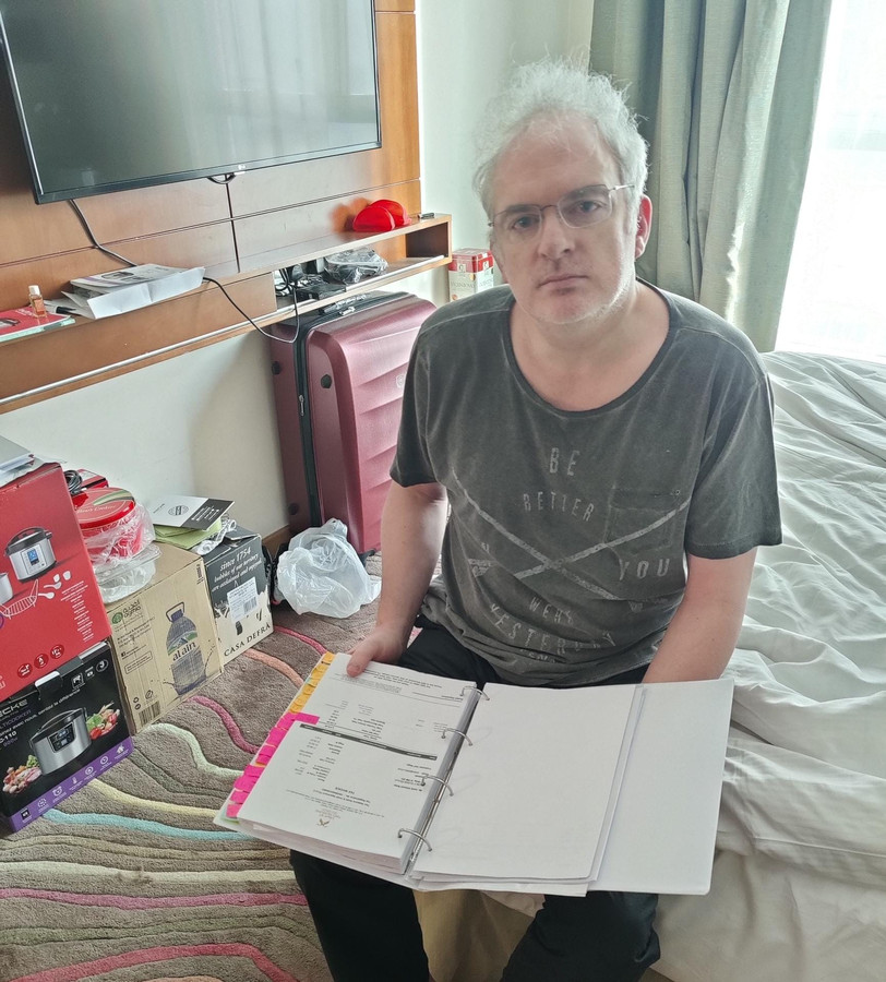 Johan Daumerie est condamné à payer une amende de 150.600 euros et est depuis lors interdit de quitter le pays. Il vit reclus dans une chambre d'hôtel depuis 12 mois déjà.