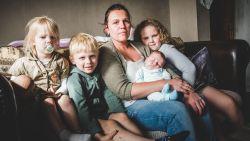 """Moeder van vier toch niet op straat dankzij deal tussen gemeente en huisvestingsmaatschappij: """"Ik kan niet wachten om verhuisdozen in te laden"""""""