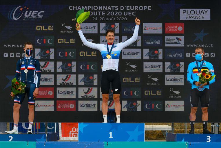 Het goud is voor Stefan Küng, zilver voor Rémi Cavagna en brons voor Victor Campenaerts. Beeld Photo News