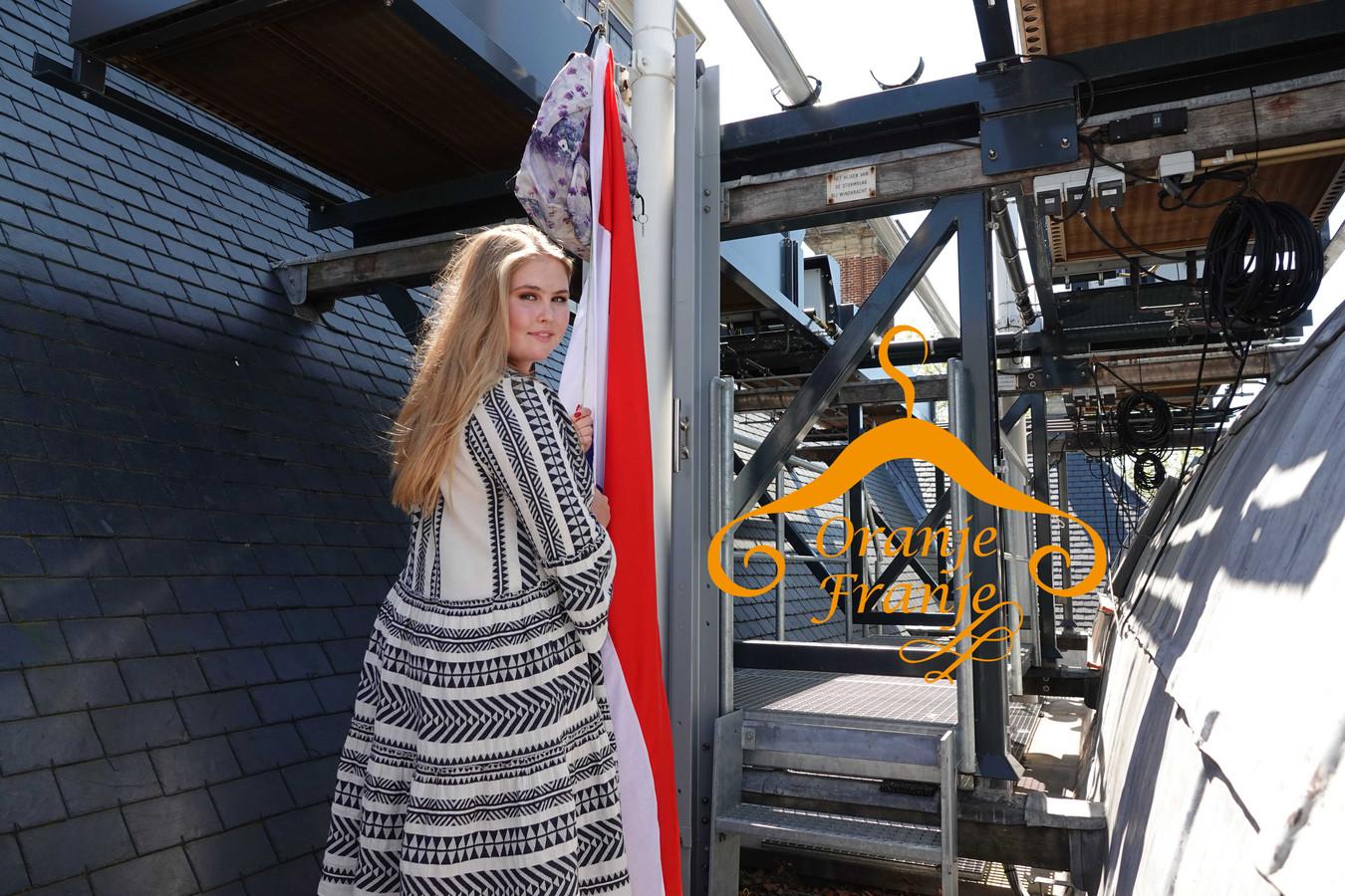 Prinses Amalia in de jurk van Devotion: wordt ook deze jurk een hit onder BN'ers?