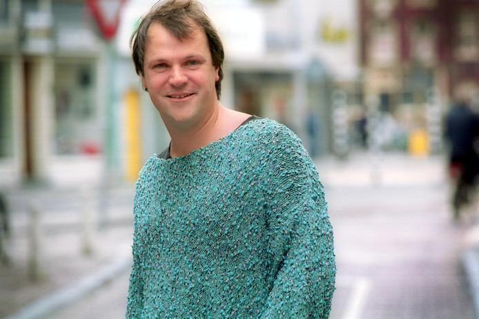 Hans Spekman in 2001 in een van de truien die kenmerkend voor hem werden
