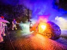 Bezoekje in Nuenen loopt anders dan gedacht: eigenaar vindt uitgebrande auto terug
