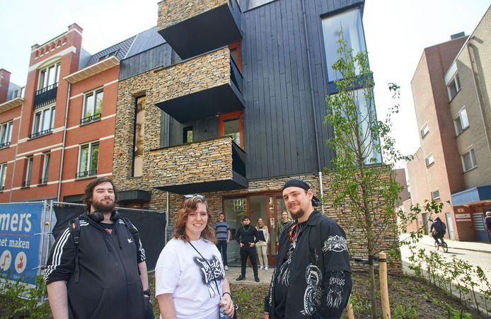 De toekomstige bewoners Jordy Harks, Chelsey Nettenbreiers en Maikel Strik voor Vista Titus.