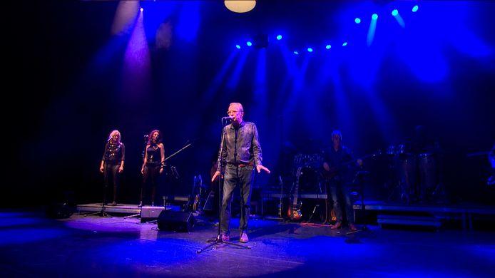 Erik Hagelstein met Joe Cocker Tribute.