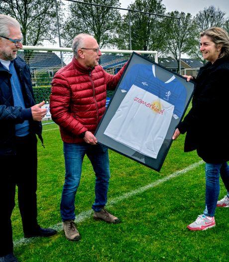 Bijzondere samenwerking: Stichting Zomerkind siert tenue van voetbalclub NBSVV