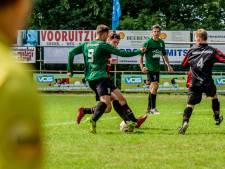 Hedel - Maaskantse Boys na een half uur afgeblazen, coaches tasten in het duister