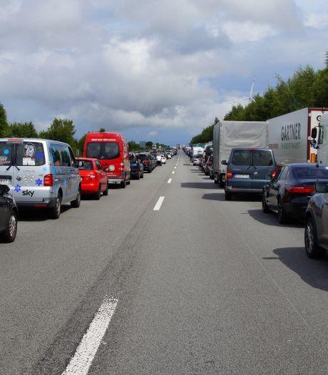 Vakantiedrukte zorgt voor lange files voor Karawankentunnel richting Slovenië